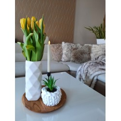 Hačkovaný košík na kvetináč